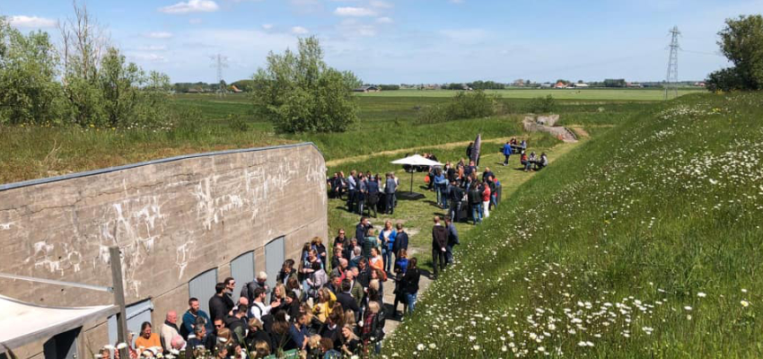 Fort Markenbinnen buiten borrel